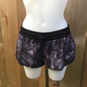 Lululemon gray hottie hot shorts size 8